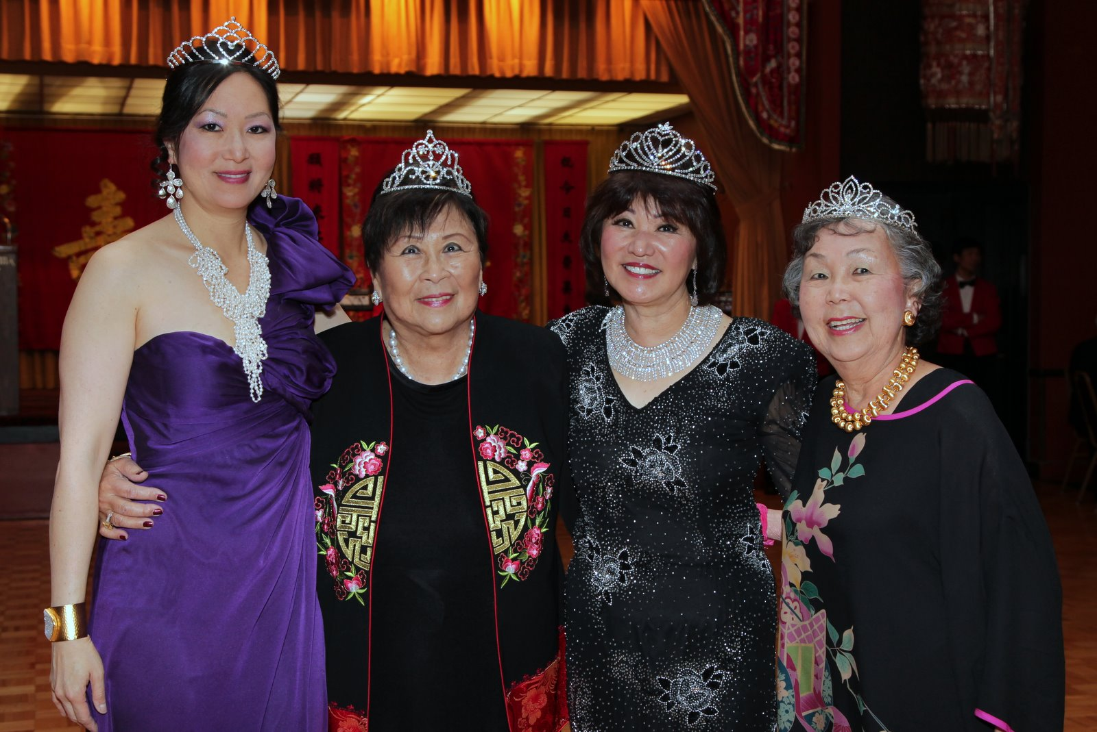 2012 Queen: Chinatown Opti-Ms